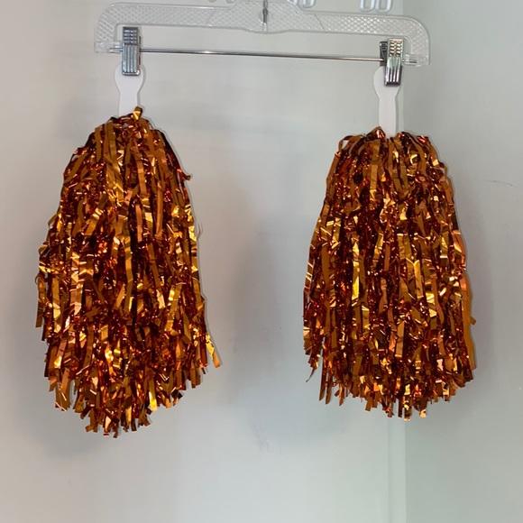 Orange pompons